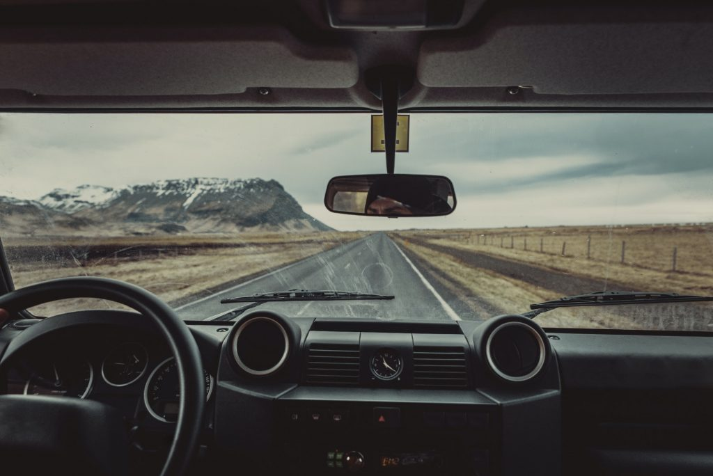 Driving on the icelandic roads, tour in Iceland
